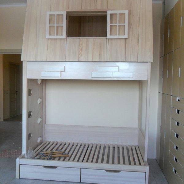 Двухъярусная детская кровать-домик