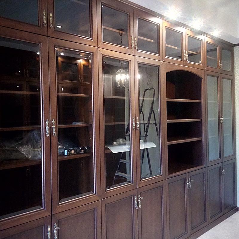 Шкаф для книг. Домашняя библиотека (массив дуба, шпон дуба)